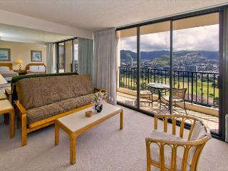 Tropical Retreat, 1BR Condo with Panoramic Mountain Views and Full Kitchen - Honolulu vacation rentals