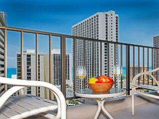 Ocean View Condo Close to Beaches, Awesome Amenities, and Full Kitchen - Honolulu vacation rentals