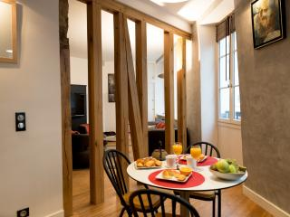 Modern Champs Elysées - one bedroom apartment - Paris vacation rentals