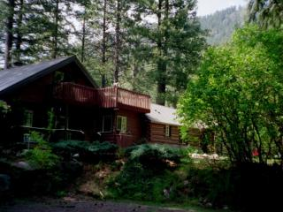 Icicle Haus Leavenworth WA (Best Kept Secret) - Leavenworth vacation rentals