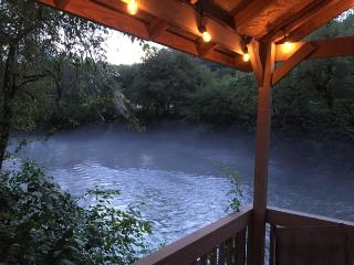 River Run Tranquil Chalet - Riverfront - Murphy vacation rentals