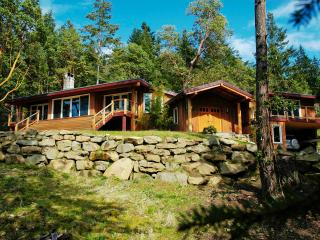 Bright 3 bedroom House in Salt Spring Island - Salt Spring Island vacation rentals