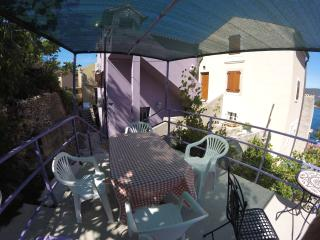Cozy 2 bedroom Valun Apartment with Internet Access - Valun vacation rentals