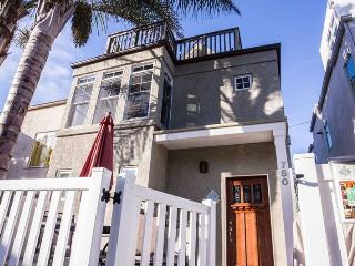 Luxury Beach Home with Ocean View. Steps from the Sand. - Mission Beach vacation rentals
