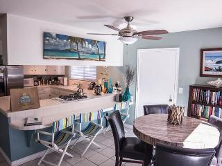 Private Bayside Getaway with Large Patio. Family and Pet friendly - Mission Beach vacation rentals