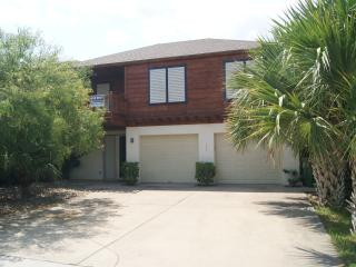 Blue Moon house 2-3 minute walk to beach access - South Padre Island vacation rentals