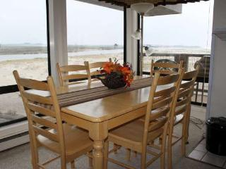 3 bedroom Condo with Housekeeping Included in Pajaro Dunes - Pajaro Dunes vacation rentals