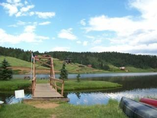 private lake with fishing poles on site! - Lake lodge with amazing views, no pet fees n wood! - Divide - rentals