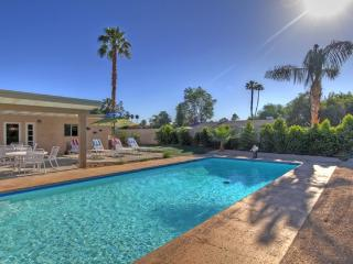 AFFORDABLE  MID-CENTURY LUXURY W/PRIVATE POOL! - Palm Desert vacation rentals