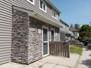 2 bedroom Condo with Dishwasher in Port Elgin - Port Elgin vacation rentals