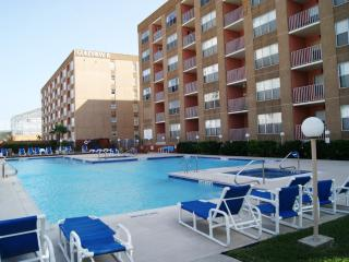 Gulfview I08 - Luxurious condo next Schlitterbahn - South Padre Island vacation rentals