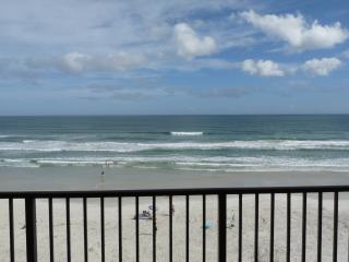 Spectacular Direct Oceanfront Balcony-Dog Friendly - Daytona Beach vacation rentals