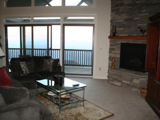 Nice 3 bedroom Sugar Mountain Condo with Deck - Sugar Mountain vacation rentals
