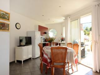 """Le mas soleil"""" jolie maison  avec ses 4 terrasses - Sorede vacation rentals"""