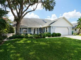 """Villa Frangipani by the """"Eight Lakes""""in Cape Coral - Cape Coral vacation rentals"""