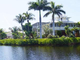 Villa Secret Garden incl. boat on Pine Island - Bokeelia vacation rentals