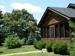 Rustic Luxury on 52 Acres Conveniently Located to - Nelsonville vacation rentals