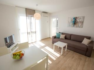 New, modern and comfortable A4 Megi (2+2) - Banjol vacation rentals