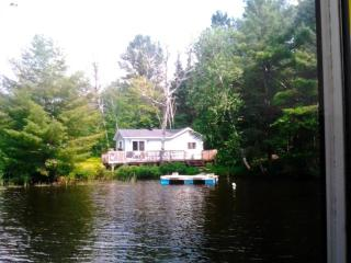 Cozy Cottage with Internet Access and Dishwasher - Monetville vacation rentals