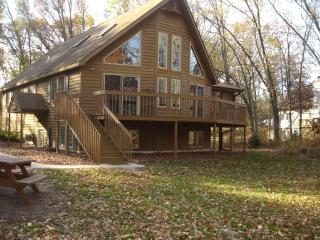 Beautiful House with Deck and Internet Access - Nekoosa vacation rentals