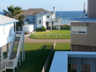 2 min walk to beach; Hear the ocean! BBQ GRILL! - Galveston vacation rentals
