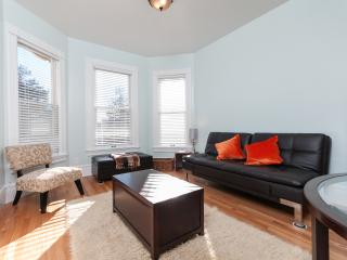 STUNNING APARTMENT WITH CITY VIEWS - Oakland vacation rentals