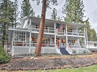 Serene 4BR Retreat House in Tygh Valley w/Multiple Porches & Amazing Views - Across from Pine Hollow Lake & Near Outdoor Recreation! - Tygh Valley vacation rentals