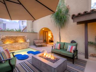 Enticing 1BR Palm Springs Condo w/Wifi, Private Mini Pool/Hot Tub & Upscale Amenities - Centrally Located Near PS Convention Center & Downtown! - Palm Springs vacation rentals