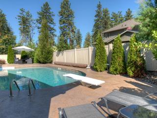 5 bedroom House with Internet Access in Kelowna - Kelowna vacation rentals