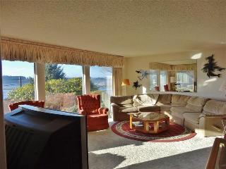 'Coastal Dunes Getaway' - Picturesque 3BR North Bend Home w/ Private Hot Tub Overlooking Oregon Dunes National Recreation Area - North Bend vacation rentals