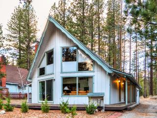 Newly Remodeled 3BR + Loft South Lake Tahoe Cabin w/Wifi, Deck, and Gas Grill - Near Bijou Community Park, Skiing, Casinos & Beaches! - South Lake Tahoe vacation rentals