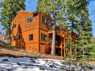 Pristine 4BR Truckee Home w/Private Sauna, Wifi, Game Room & 2 Decks - Close to Hiking Trails, Skiing, Golf, Historic Downtown Truckee & Lake Tahoe! - Truckee vacation rentals