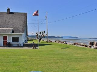 Scenic 2BR Waterfront Home in Bow w/Wifi & Private Boat Launch  - Situated on Samish Island, Near Outdoor Activities & Restaurants! Accessible by Car! - Bow vacation rentals