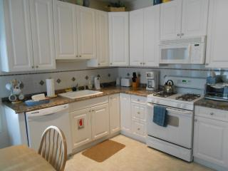 3B 2B Condo with Heated POOL near Beach - North Wildwood vacation rentals