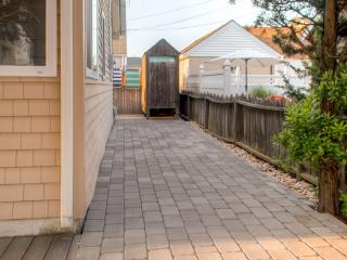 New Listing! Cozy 3BR Silver Beach Cottage w/Wifi, Outdoor Shower, Gas Grill & Enclosed Front Porch - Great Ocean Block Location! Walk to the Beach, Restaurants & Shops - Lavallette vacation rentals