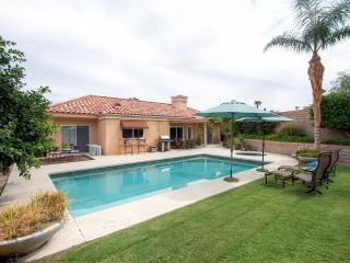 Pristine 3BR Palm Desert House w/Private Pool, Hot Tub & High End Kitchen - Located in a Gated Community, Near Restaurants, Shopping, Hiking & More! - Palm Desert vacation rentals