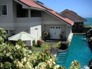 Absolutely Oceanfront Kailua Vacation Rental-$220 - Kailua vacation rentals