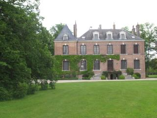 7 bedroom House with Internet Access in Chaumont-sur-Tharonne - Chaumont-sur-Tharonne vacation rentals