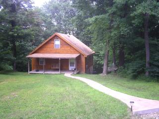 Secluded Hocking Hills 2 bedroom cabin - Rockbridge vacation rentals