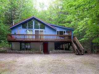 Rustic-Cool 5BR + Loft Intervale House w/Wifi, Large Private Deck & Gas Wood Stove – Close Proximity to River, Swimming Hole & Other White Mountains Attractions! - Intervale vacation rentals