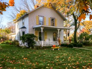 Inviting, Historic 2BR Green Bay House in DePere w/Wifi - Only 4 Miles from Lambeau Field & Walking Distance to Local Attractions! - De Pere vacation rentals