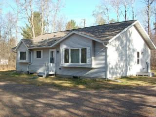 Year-round Minocqua Vacation Hm- Many lakes nearby - Arbor Vitae vacation rentals