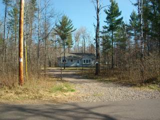 Year-round Minocqua Vacation Hm- Many lakes nearby - Arbor Vitae vacation rentals