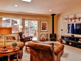 Inviting 3BR South Lake Tahoe House w/Wifi, Fire Pit, Large Private Deck & Beautiful Backyard - Minutes from Exciting Nightlife, Casinos, Hiking, Golf, Ski Resorts & More! - South Lake Tahoe vacation rentals