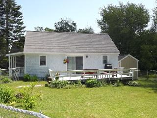 2 bedroom House with Deck in Boothbay - Boothbay vacation rentals