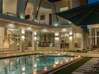 LUXURY 4 Bedroom Villa in Seminyak + Driver - Kuta vacation rentals