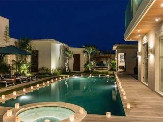 LUXURY 4 bedroom Villa Seminyak + Driver - Seminyak vacation rentals