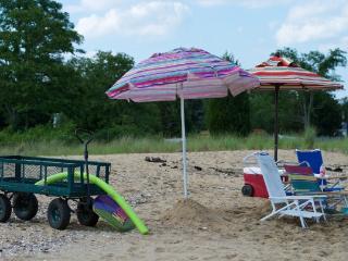 Cedar Beach Lodge is a Modern Year-Round - Lusby vacation rentals
