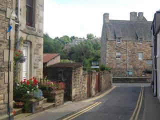Spacious apartment in heart of historic Jedburgh - Jedburgh vacation rentals