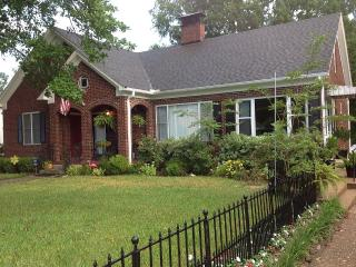 Large historic home close to downtown and Oaklawn - Hot Springs vacation rentals